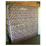 King mattress/boxspring set