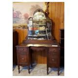 3 Panel Mirror Victorian Vanity