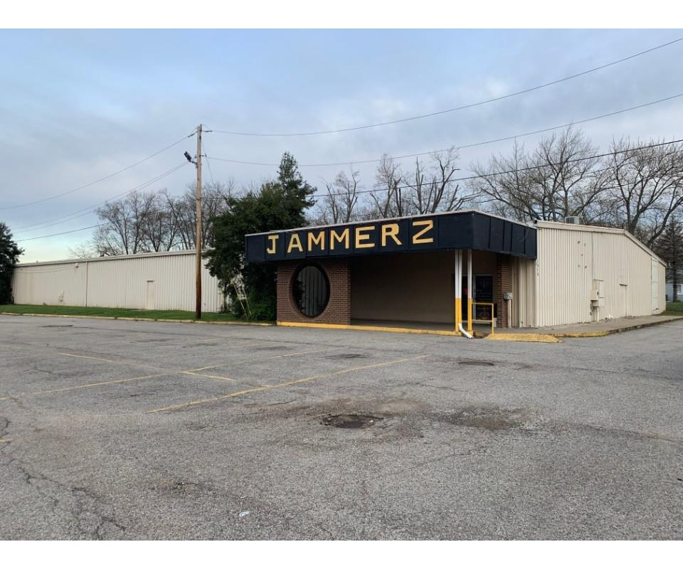 19,200 SF Clear Span Commercial Building Online Auction, Charlestown, IN
