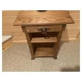 Oak end table with drawer