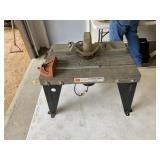 Craftsman router table with commercial router