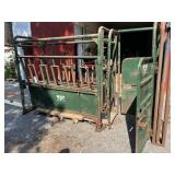 Big Valley Cattle Chute with Sliding Gate