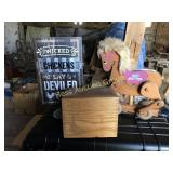 Horse Pull Toy, Chicken Sign & Recipe Box
