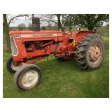 Allis Chalmers D17 Series IV Tractor.
