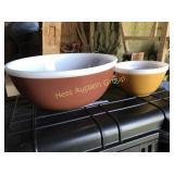 4 Pyrex Bowls