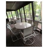 Outdoor oval Patio table and 6 chairs