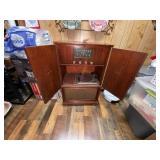 True tone Radio w/Record Player in Shorter Cabinet