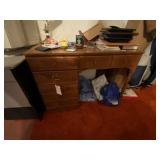 Ethan Allen Knee Hole Desk