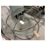 Round Table, Glass Top Silver Aluminum Legs