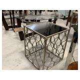 End Table w/Mirrored Top