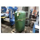 Compressed air holding tank