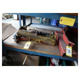 Lot:  Metal clamps to lift stock