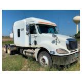2004 Freightliner Columbia, Needs a Motor - Parts Truck