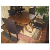 Vintage Wood Claw Foot Table With 4 Chairs