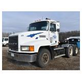 1998 Mack CH613 Semi With 2-Line Wet Kit