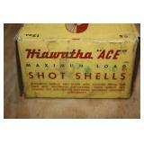 Hiawatha Ace vintage box of full Remmington UMC pa