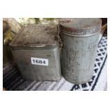 VINTAGE LIPTON TEA TINS