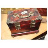 VINTAGE WOOD KEEPSAKE BOX