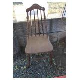 ANTIQUE SEWING CHAIR