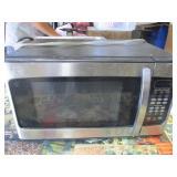 Hamilton Beach Microwave 1000w