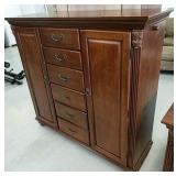 Six drawer chest Broadmoore