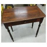 Small one drawer desk