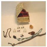 Piano jewelry Box with jewelry