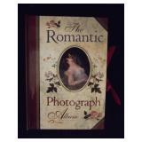 "The Romantic Photo Album ""The Kiss"""