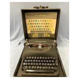 Remington Rand typewriter deluxe model 5, in good