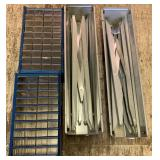Lot of folding metal horses stand and screw/-nails
