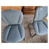 Lot with two very comfortable matching chairs with