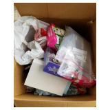 Large lot with miscellaneous items: Royal traveler