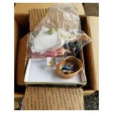 Lot with 4 boxes with miscellaneous items, dolls,