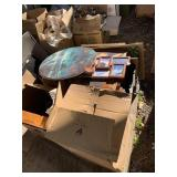 Large lot with miscellaneous items: work art, jewe