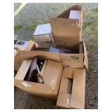 Large lot with miscellaneous items: table electric