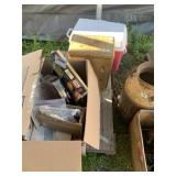 Pallet lot with miscellaneous items: Rubbermaid co