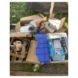 Pallet lot with miscellaneous items: dolls in boxe