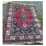 """Machine made rug in great condition, 86"""" x 62"""""""