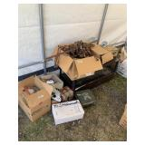 Large lot with miscellaneous items: table lamp, do