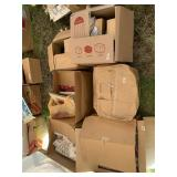 Lot with 6 boxes full with trophy