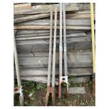Lot with 2 heavy duty post diggers     (M 75)(Y)