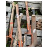 Lot with machete and angle brush cutters with hand