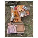 Lot with misc. automotive items, 3 ton jack stand