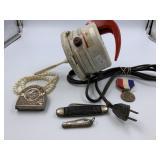 Lot w/ 3 pocket knives, vintage electric mixer, et