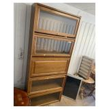 Very nice stackable bookcase in good condition wit