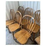 Lot with very nice 6 oak dinner chair set, one has
