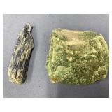 Lot of 2 crystalline stone specimens, largest is a