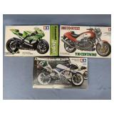 Lot of 3 models Moto Guzzi V10 Centauro 1:12, Kawa
