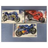 Lot of 3 models 2001 Yamaha YZR500 1:12, 1999 Yama