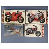 Lot of 4 models F16 Fighter 1:48, Honda Monkey 125